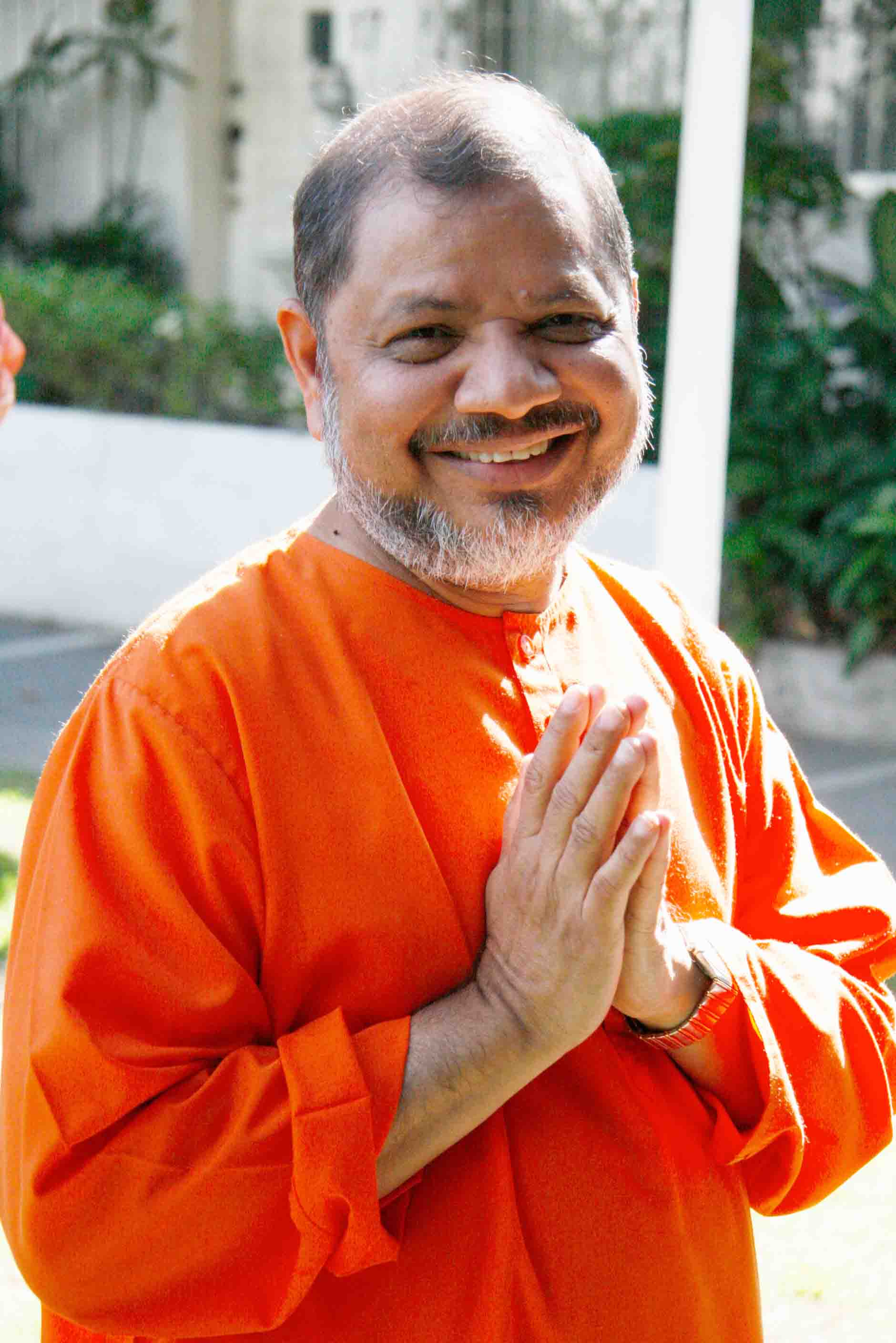 Hanuman Chalisa with Swami Tejomayananda in Philippines